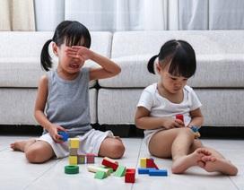 Làm gì khi trẻ liên tục chành chọe, cãi nhau