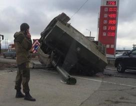 Phanh gấp làm rơi pháo tự hành 46 tấn, quân nhân Nga phải đền 380.000 USD