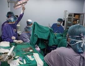 Bệnh nhân hoại tử hậu môn vì tự chữa trĩ bằng thuốc nam
