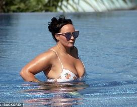Chanelle Hayes tự tin diện áo tắm sau khi giảm gần 20 kg