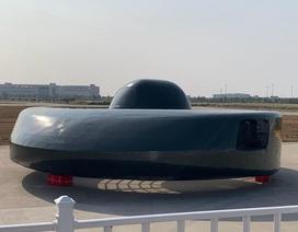 """""""Đĩa bay"""" lạ được trưng bày tại Trung Quốc"""