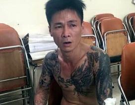 Hà Nội: Gã trai mang can xăng về nhà dọa bố mẹ