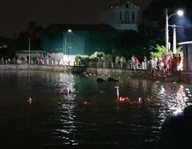 Hà Nội: Lật thuyền chở 5 người, 2 chị em họ tử vong