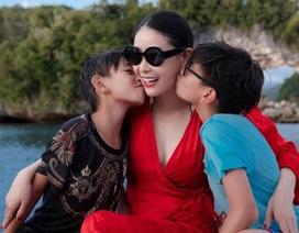 Hoa hậu Hà Kiều Anh khoe vóc dáng đẹp quyến rũ ở tuổi 43