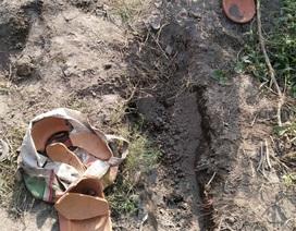 Ấn Độ: Đào mộ chôn con gái mới mất, tá hỏa phát hiện tiếng người khóc ở độ sâu một mét