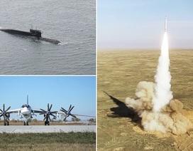 """Video bộ ba hạt nhân của Nga khoe uy lực tấn công """"sấm sét"""""""