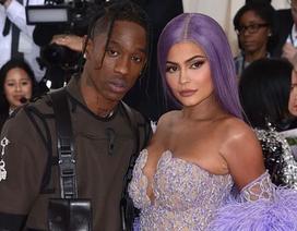 Kylie Jenner vẫn sống chung nhà với bạn trai cũ