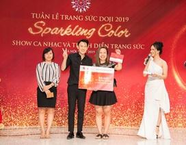Hiếm khi hội ngộ fan Hà Nội, Dương Triệu Vũ  diễn hết mình tại DOJI Tower