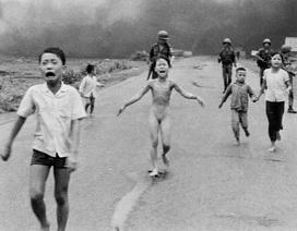 """""""Em bé Napalm"""" được bình chọn bức ảnh ấn tượng nhất trong 50 năm"""