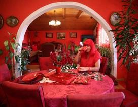 """Mục sở thị căn phòng """"nóng nhức mắt"""" của quý bà mê màu đỏ"""