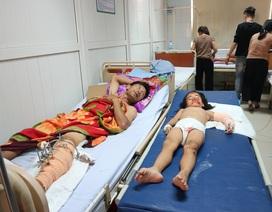 Xót thương gia đình 4 người gặp nạn vật vã trong bệnh viện