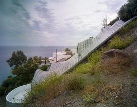 Biệt thự lượn sóng đẹp hút hồn chênh vênh bên vách núi