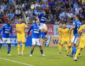 Thua Than Quảng Ninh, CLB Hà Nội nâng Cúp kém vui ở Cửa Ông