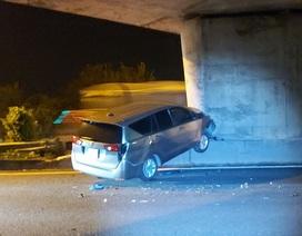 Xemáy đi vào đường cao tốc khiến 3 ô tô gặp họa
