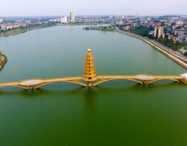 """Toàn cảnh cây cầu đi bộ với kiến trúc tháp 7 tầng """"độc nhất vô nhị"""" tại Phú Thọ"""