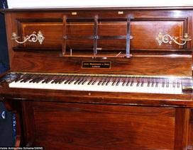 Phát hiện kho báu chục tỷ giấu trong chiếc đàn piano hơn 100 tuổi