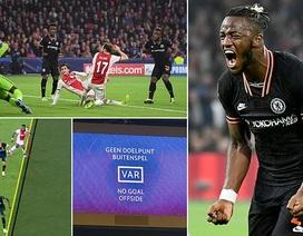 """""""Kép phụ"""" Batshuayi tỏa sáng đưa Chelsea vượt qua Ajax"""