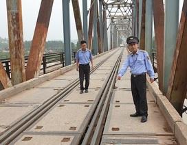 """Chi hơn 10 tỷ sửa chữa, cắm biển hạn chế trọng tải trên cây cầu """"độc nhất vô nhị"""" tại Bắc Giang"""