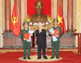 Tổng Bí thư, Chủ tịch nước trao quyết định thăng quân hàm Thượng tướng cho 2 sĩ quan