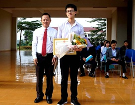 Tỉnh Đắk Lắk tặng bằng khen cho thí sinh đạt giải Ba Chung kết năm Olympia 2019