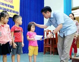 """Nhiều """"tấm lòng vàng"""" đến với người dân, học sinh nghèo tại tỉnh Quảng Nam"""