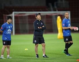 """HLV Nishino """"nịnh"""" cầu thủ Thái Lan trước trận quyết đấu với đội tuyển Việt Nam"""
