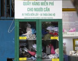 Hà Nội: Xuất hiện nhiều tủ quần áo 0 đồng dành cho người nghèo