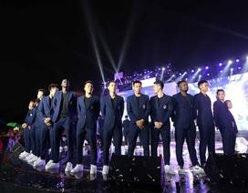 Quang Hải, Bùi Tiến Dũng diện vest bảnh bao trong lễ mừng công CLB Hà Nội