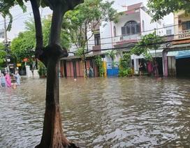 Nhiều tuyến đường ở Đà Nẵng ngập nặng sau trận mưa đêm