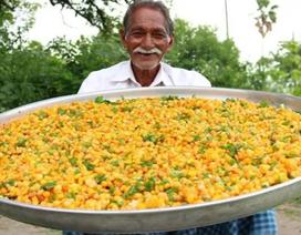 """Chuyện về ông cụ nổi tiếng trên YouTube chuyên nấu món ăn """"siêu to khổng lồ"""""""