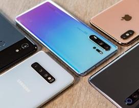 """Bất chấp lệnh trừng phạt, Huawei vẫn bám đuổi """"ngôi vương"""" trên thị trường smartphone"""