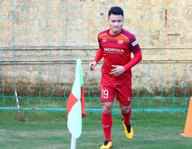 """Bất chấp tin đồn """"xé rào"""", cầu thủ CLB Hà Nội tập sung chờ đấu UAE, Thái Lan"""