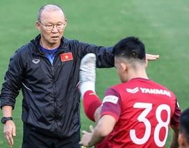 Báo Thái Lan tố đội tuyển Việt Nam hung hăng, chơi đòn tâm lý chiến