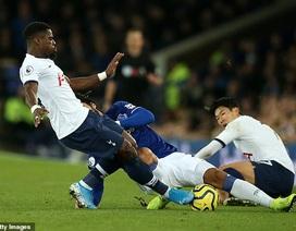 Tiền đạo CLB Everton sốc nặng trước chấn thương của Andre Gomes