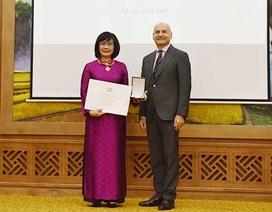 Thứ trưởng Bộ Tư pháp được Tổng thống Italia trao tặng Huân chương Công trạng