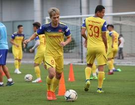 Tuyển thủ Việt Nam tập luyện hứng khởi trong ngày thầy Park ký hợp đồng