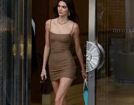 Kendall Jenner diện váy siêu ngắn khoe dáng thanh mảnh