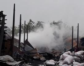 9 lò than bốc cháy ngùn ngụt trong cơn mưa lớn