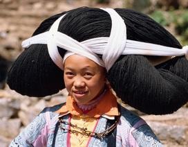 Nơi phụ nữ phải đội những bộ tóc siêu nặng do tổ tiên truyền lại