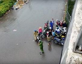 Nam sinh viên rơi từ cầu vượt cao gần 5m xuống đất