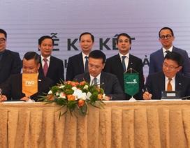 Vietcombank và FWD ký kết hợp tác độc quyền 15 năm phân phối bảo hiểm qua ngân hàng