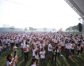 Gần 9.000 người chạy bộ gây quỹ hỗ trợ trẻ em nghèo bị tim bẩm sinh