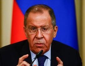 """Ngoại trưởng Nga tố Mỹ """"cướp dầu"""" của Syria"""