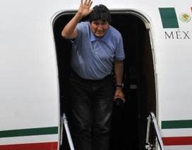 """Chuyến bay """"bão táp"""" đưa cựu Tổng thống Bolivia đến Mexico tị nạn"""