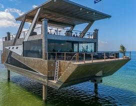 """Chiêm ngưỡng """"du thuyền biệt thự"""" làm toàn bộ bằng thép đầu tiên trên thế giới"""