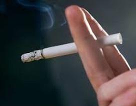 Bệnh tim mạch, ung thư quá tải vì người hút thuốc lá