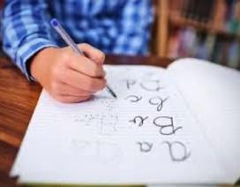 Để viết chữ trở thành hoạt động yêu thích của bé