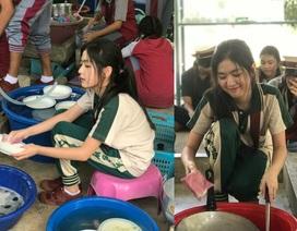 """""""Nữ thần học đường"""" Thái Lan gây """"sốt"""" với ảnh ngồi cặm cụi rửa bát"""