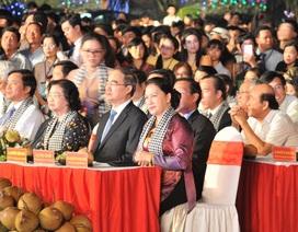 Chủ tịch Quốc hội Nguyễn Thị Kim Ngân dự lễ hội Dừa