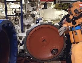 Video thủy thủ tàu ngầm Nga tập thoát hiểm từ ống phóng ngư lôi